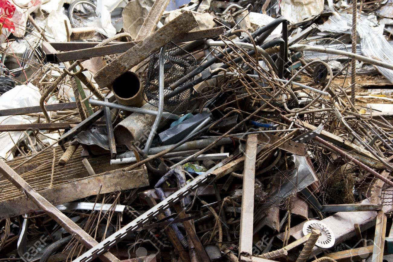 Scrap machinery handling/destruction